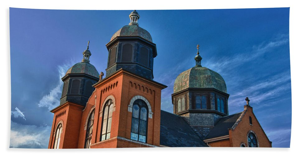Buildings Bath Sheet featuring the photograph Ukranian Orthodox Church 20049 by Guy Whiteley
