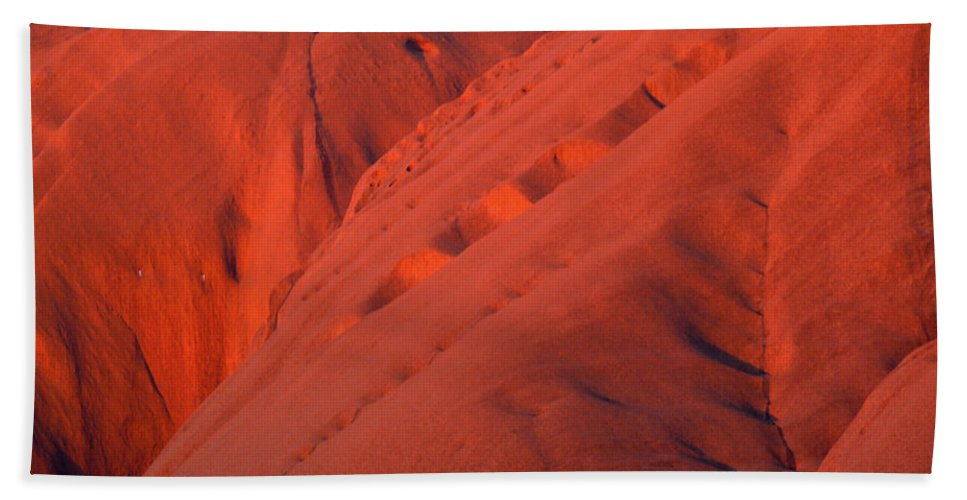 Uluru Bath Sheet featuring the photograph Uluru 1 by Evelyn Tambour