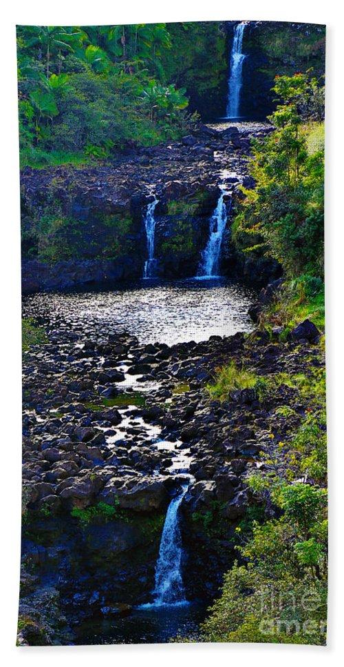 Fine Art Photography Hand Towel featuring the photograph Umauma Falls I by Patricia Griffin Brett