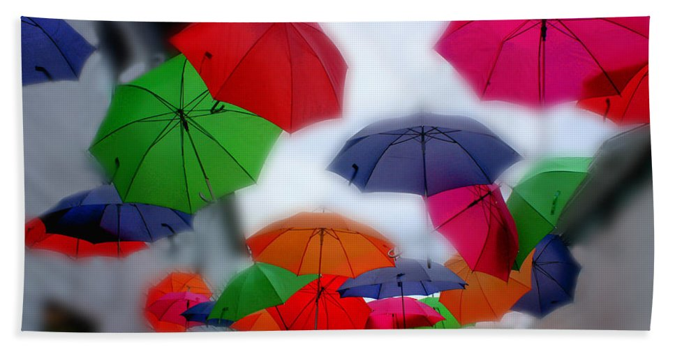 Umbrella Bath Sheet featuring the photograph Umbrellas In The Mist by Wayne King
