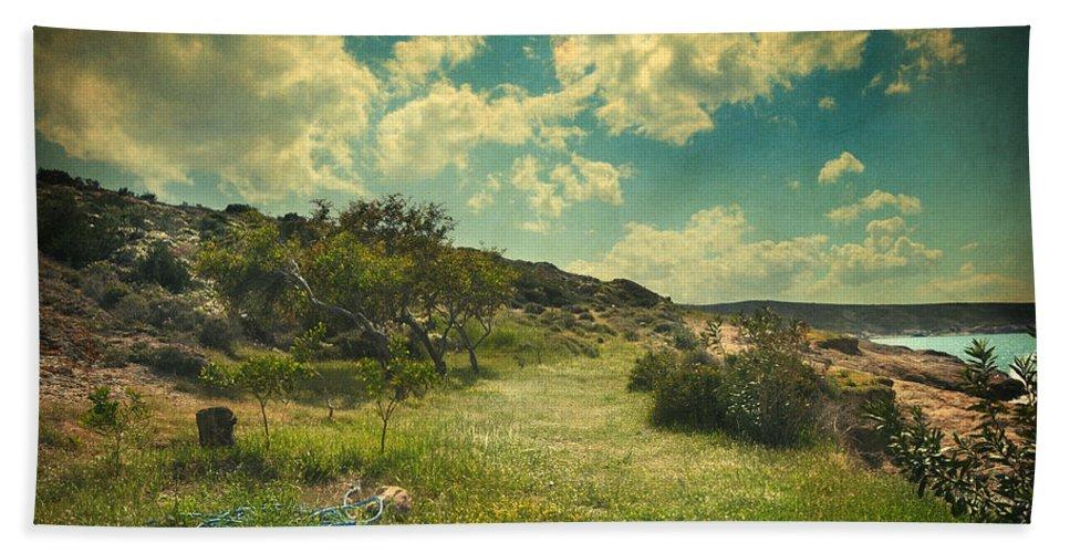 Nature Hand Towel featuring the photograph Un Matin Sans Toi by Zapista