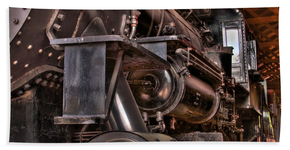 Union Pacific Bath Sheet featuring the photograph Union Pacific 4466 by Bill Gallagher