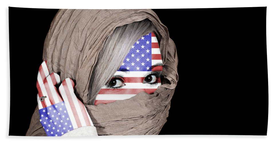 Headscarf Bath Sheet featuring the photograph United States Of America by Paul Fell