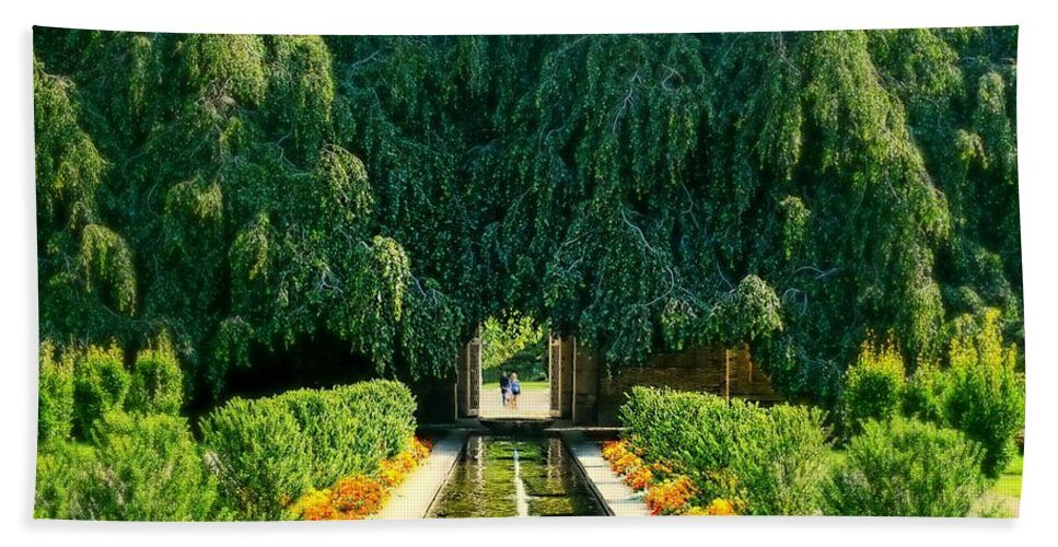 Landscape Hand Towel featuring the photograph Untermyer Gardens And Park by Diana Angstadt