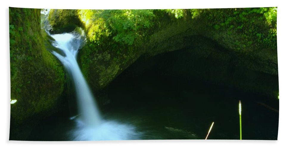 Water Hand Towel featuring the photograph Upper Punch Bowl Falls by Jeff Swan