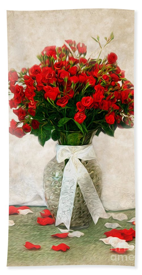 Red Hand Towel featuring the photograph Vase Of Red Roses by Lena Auxier