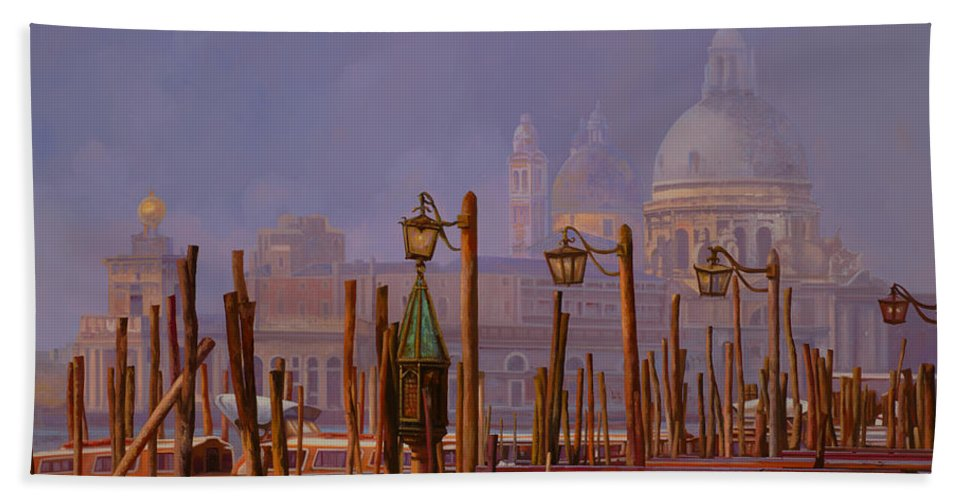 Venice Bath Towel featuring the painting Venezia E La Nebbia by Guido Borelli
