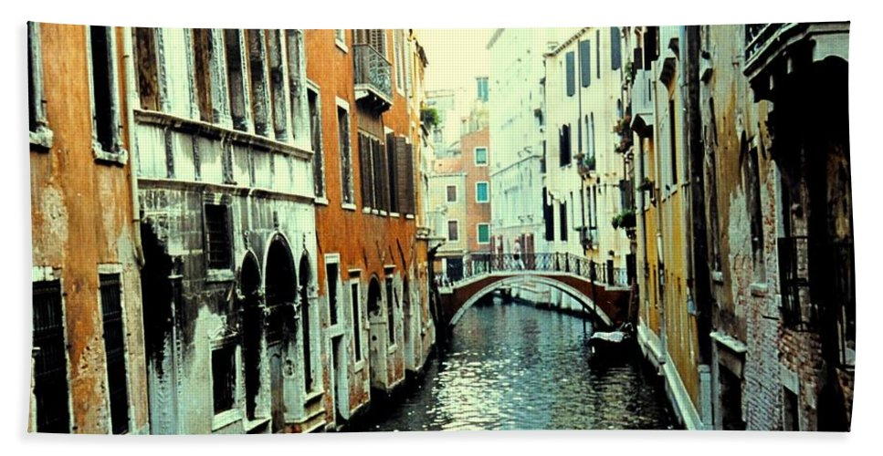 Venice Hand Towel featuring the photograph Venice Street Scene by Ian MacDonald