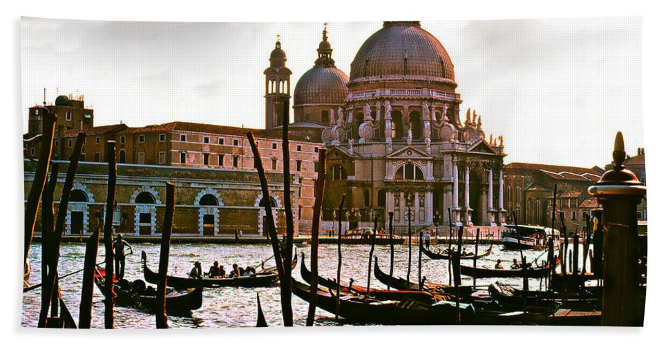 Venice Bath Sheet featuring the photograph Venice The Grand Canal by Ira Shander