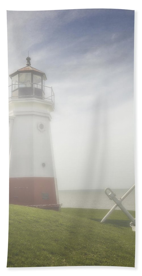 Erie Bath Sheet featuring the photograph Vermillion Lighthouse Ohio by Jack R Perry