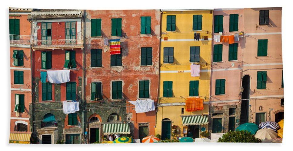Cinque Terre Bath Sheet featuring the photograph Vernazza Facades by Inge Johnsson
