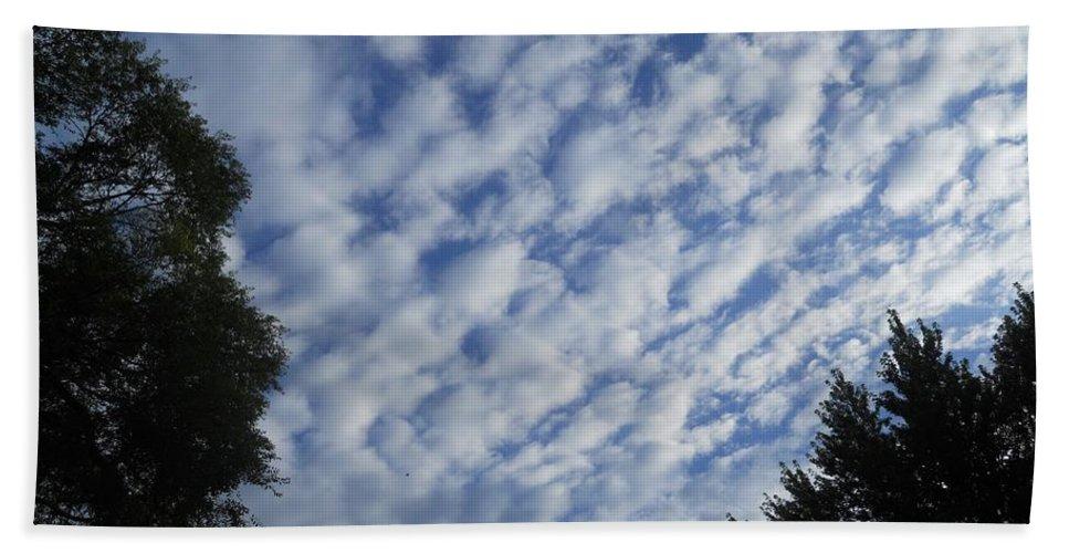 Clouds Hand Towel featuring the photograph Vertigo by Coleen Harty