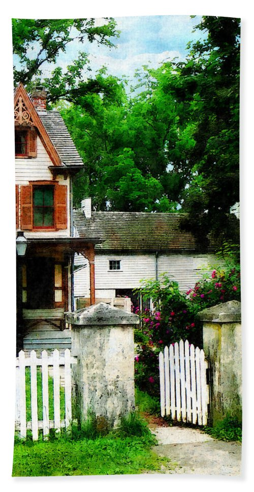 Victorian Hand Towel featuring the photograph Victorian Home With Open Gate by Susan Savad