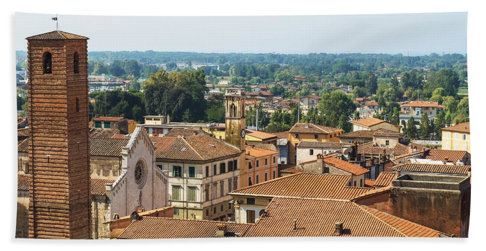 Italy Hand Towel featuring the photograph View Of Pietrasanta by Giovanni Bertagna