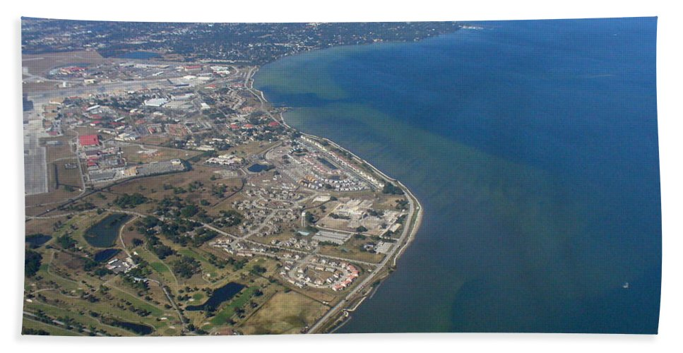Aerial View Bath Sheet featuring the photograph View Of Tampa Harbor Before Landing by Lingfai Leung