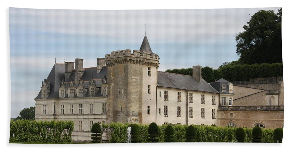 Palace Hand Towel featuring the photograph Villandry Chateau And Boxwood Garden by Christiane Schulze Art And Photography