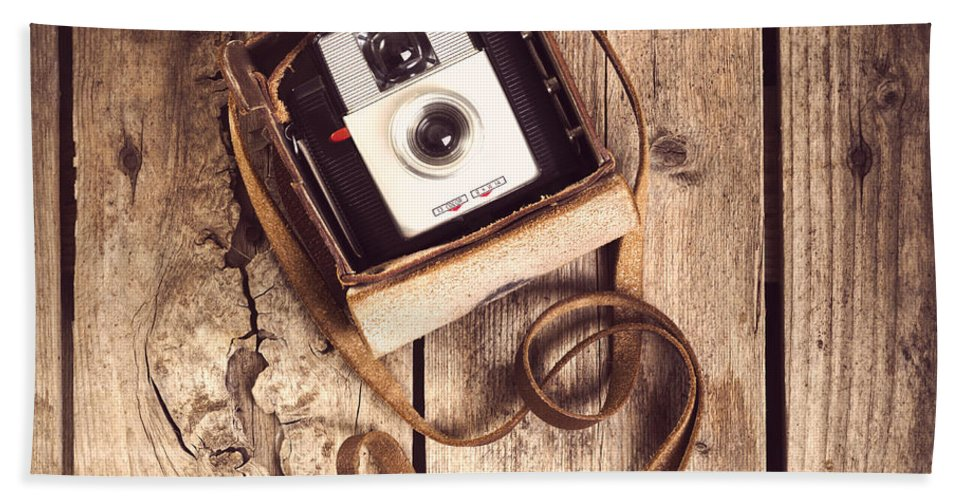 Camera Hand Towel featuring the photograph Vintage Camera by Tim Hester