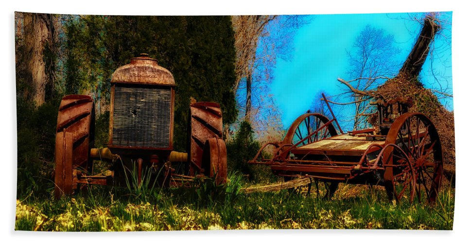 Vintage Hand Towel featuring the photograph Vintage Fordson Tractor by Bill Cannon