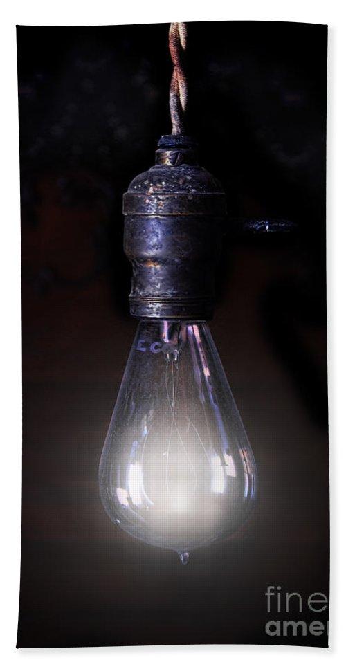 Light Bath Sheet featuring the photograph Vintage Lightbulb by Jill Battaglia