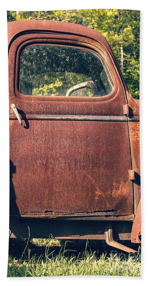Quechee Hand Towel featuring the photograph Vintage Old Rusty Truck by Edward Fielding