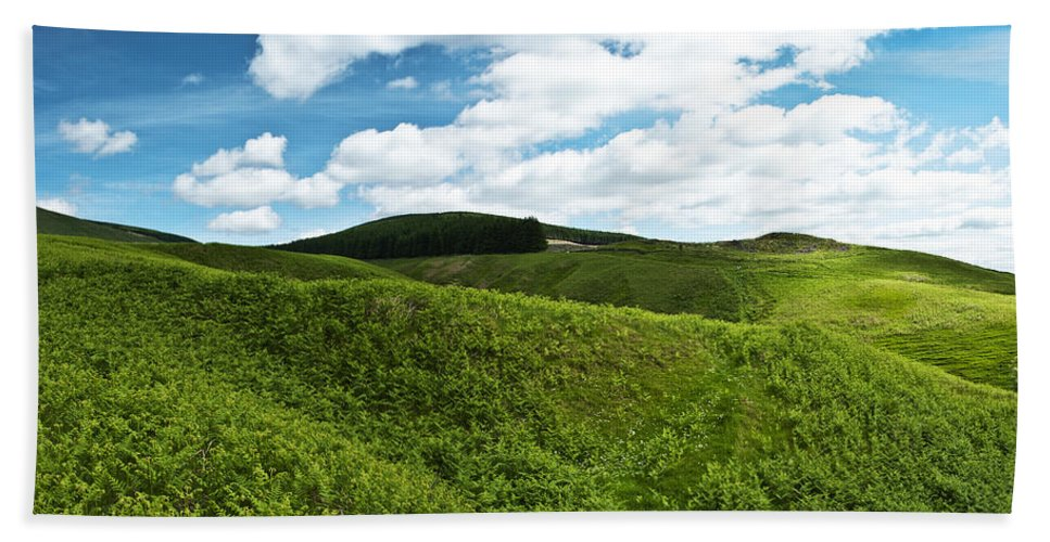 Hills Hand Towel featuring the photograph Vista by Ross G Strachan