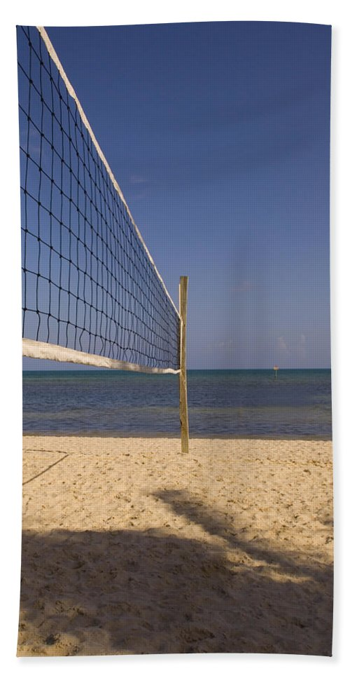 Volleyball Net Hand Towel featuring the photograph Vollyball Net On The Beach by Bob Pardue