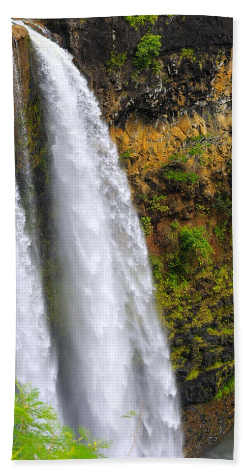 Falls Hand Towel featuring the photograph Wailua Falls Up Close by Kenneth Sponsler