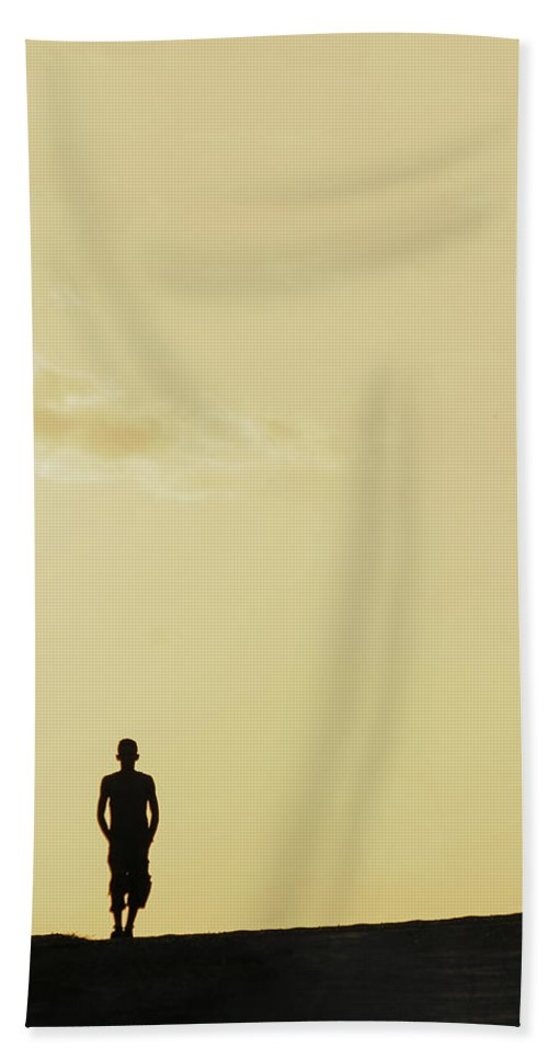 Areyarey Hand Towel featuring the photograph Walk On By by A Rey