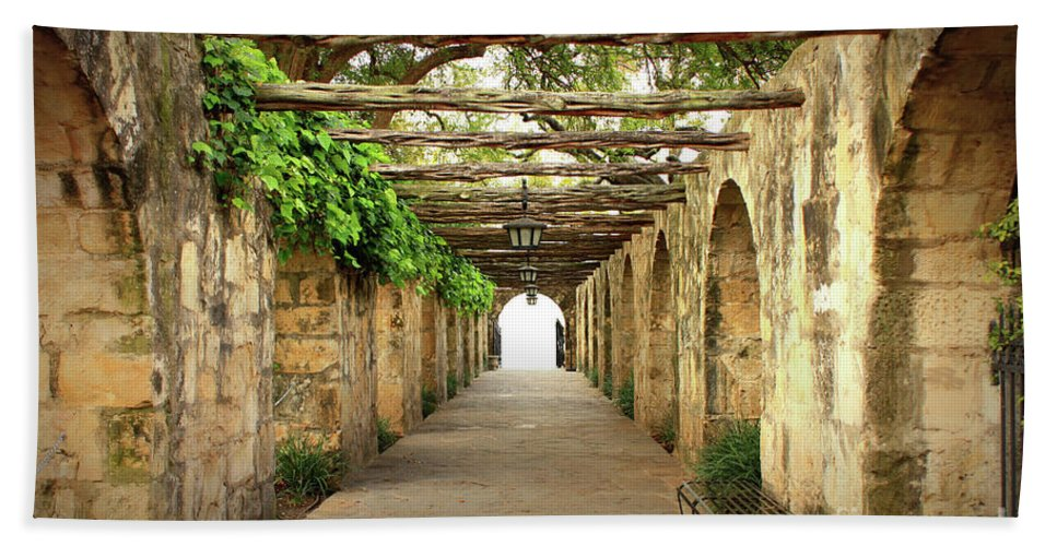 Alamo Hand Towel featuring the photograph Walk To The Light by Carol Groenen