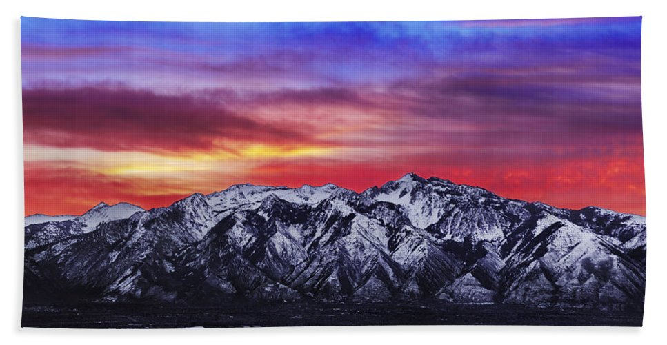 Sky Bath Towel featuring the photograph Wasatch Sunrise 2x1 by Chad Dutson