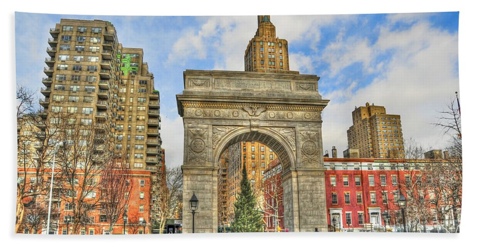 Washington Square Park Hand Towel featuring the photograph Washington Square In December by Randy Aveille