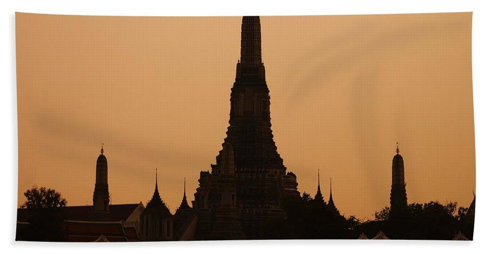 3scape Photos Bath Towel featuring the photograph Wat Arun by Adam Romanowicz