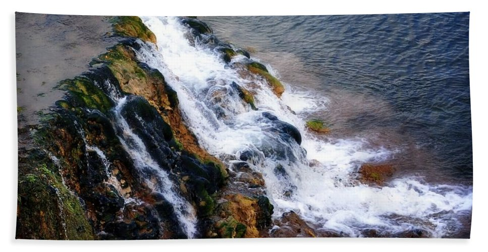 Palisades Bath Sheet featuring the photograph Water And Stone by Image Takers Photography LLC - Laura Morgan
