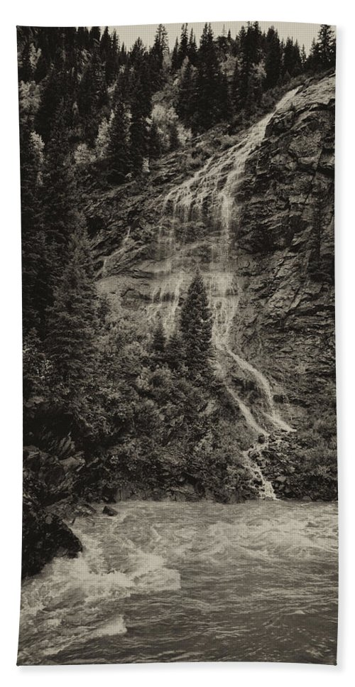 Water Hand Towel featuring the photograph Water Cascade Along The Animas River Colorado Dsc07657 by Greg Kluempers
