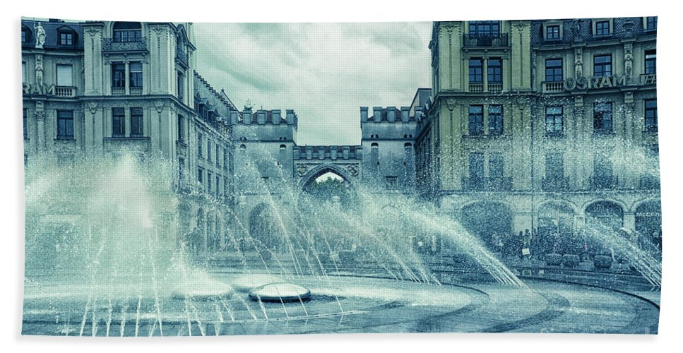 Photo Bath Sheet featuring the photograph Water In The City by Jutta Maria Pusl