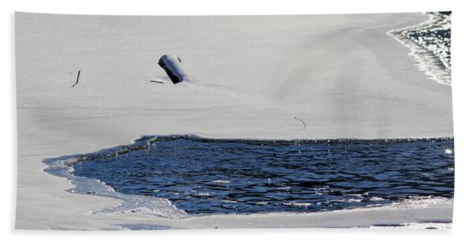 Water Hand Towel featuring the photograph Water Trail by Bonfire Photography