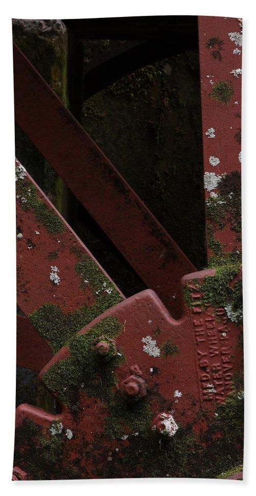 Waterwheel Hub Bath Sheet featuring the photograph Waterwheel Up Close by Daniel Reed