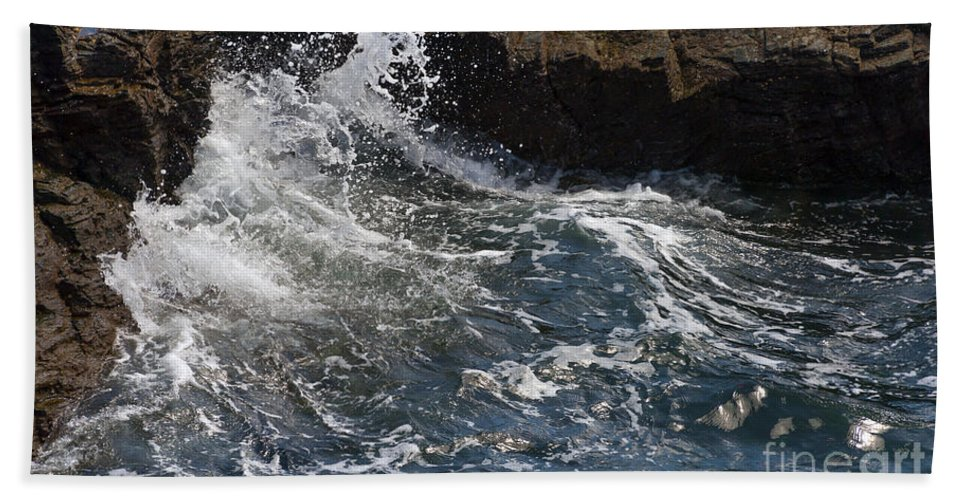 Bay Bath Sheet featuring the photograph Wave by Svetlana Sewell