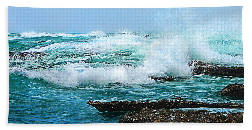 Sea Bath Sheet featuring the photograph Waves Hitting Shore by Ronel Broderick