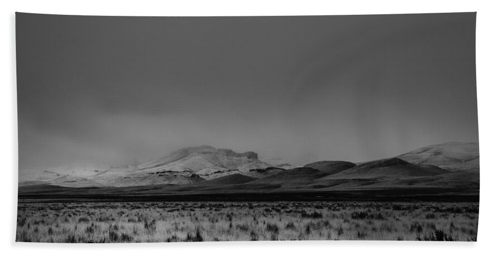 Nevada Hand Towel featuring the photograph Way Home by Karen W Meyer