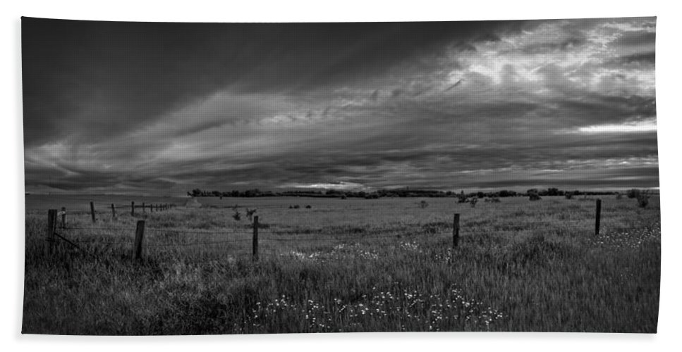Sky Bath Sheet featuring the photograph Way Out There by Sandra Parlow
