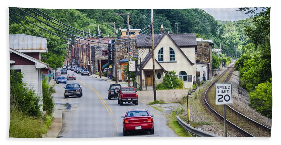 Roads Hand Towel featuring the photograph Welcome To Marshall by Carolyn Marshall