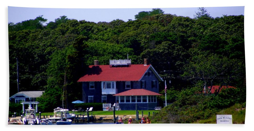 Oak Bluffs Bath Sheet featuring the photograph Welcome To Oak Bluffs by CapeScapes Fine Art Photography