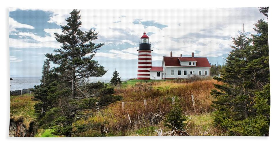 Father's Day Hand Towel featuring the photograph West Quoddy 4041 by Joseph Marquis