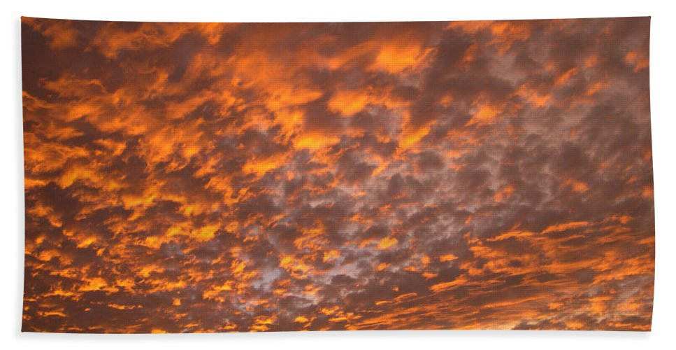 Key West Hand Towel featuring the photograph Western Sky - 1 by WindwardArt Galleries
