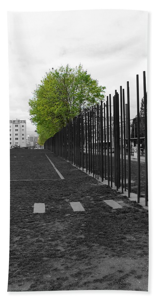 Berlin Wall Gdr Ddr Mauerverlauf Mauer East Bernauer Strasse Remember Memorial Photgraph Sw Bw Schoenholzer Strasse Inhumanity Hand Towel featuring the photograph When Hope Blooms Again by Steve K