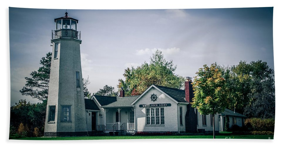 Lighthouse Bath Sheet featuring the photograph White Rock Light by Grace Grogan