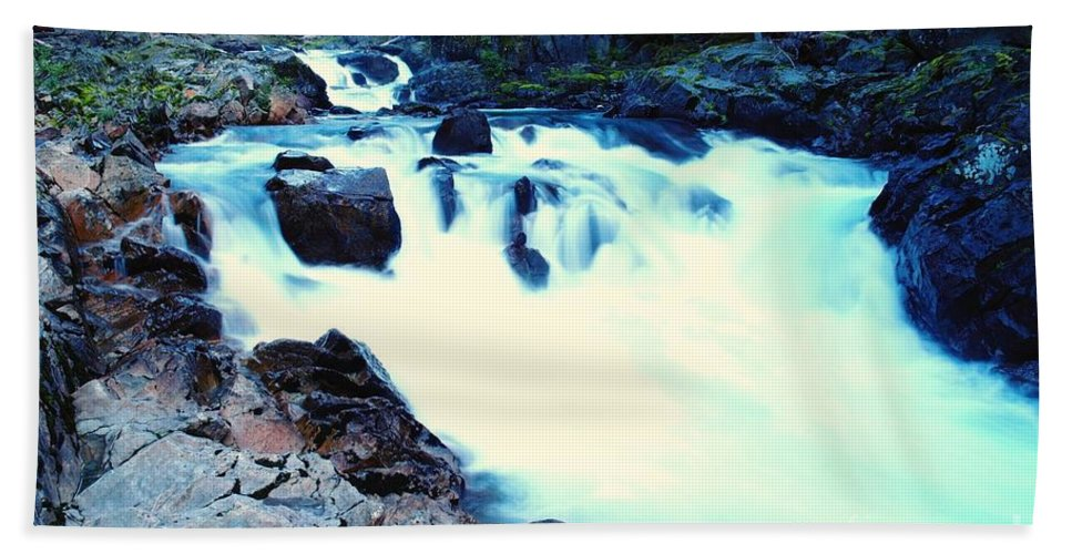 Water Bath Sheet featuring the photograph White Water On The Ohanapecosh River by Jeff Swan