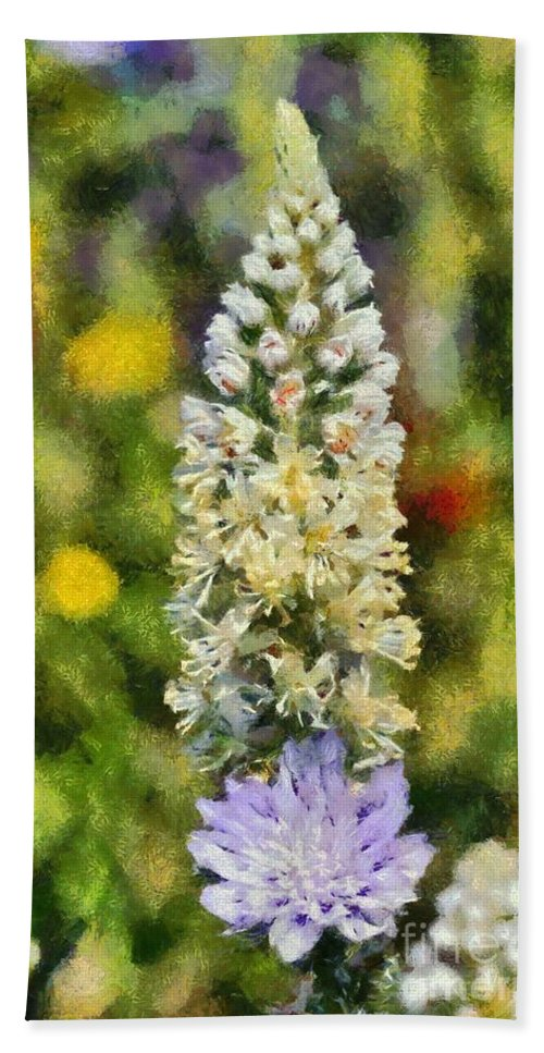 Reseda Alba; White Mignonette; White; Flower; Flowers; Wild; Plant; Spring; Springtime; Season; Nature; Natural; Natural Environment; Natural World; Flora; Bloom; Blooming; Blossom; Blossoming; Color; Colour; Colorful; Colourful; Earth; Environment; Ecological; Ecology; Country; Landscape; Countryside; Scenery; Macro; Close-up; Detail; Details; Greece; Hellas; Greek; Hellenic; Attica; Attika; Attiki; Paint; Painting; Paintings Hand Towel featuring the painting Wild Mignonette by George Atsametakis