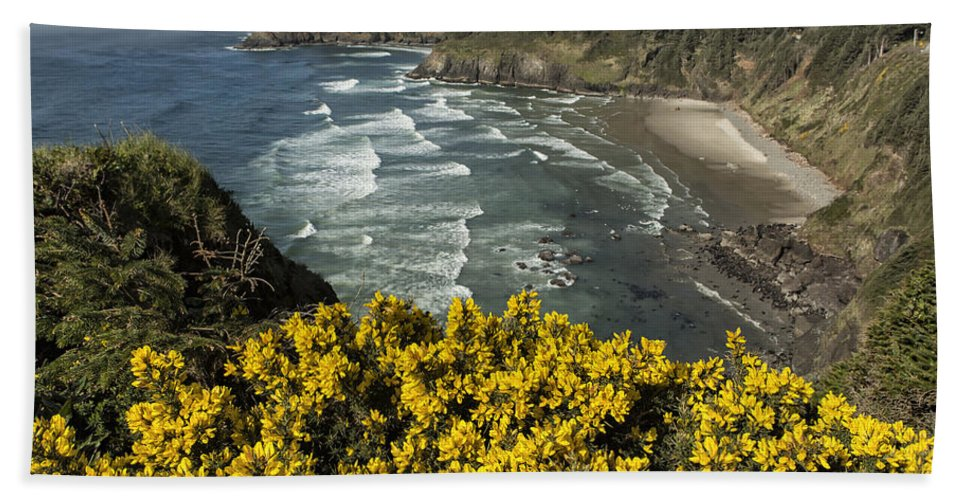 Wildflowers Hand Towel featuring the photograph Wildflowers On An Atypical Winter's Day On The Oregon Coast by Belinda Greb